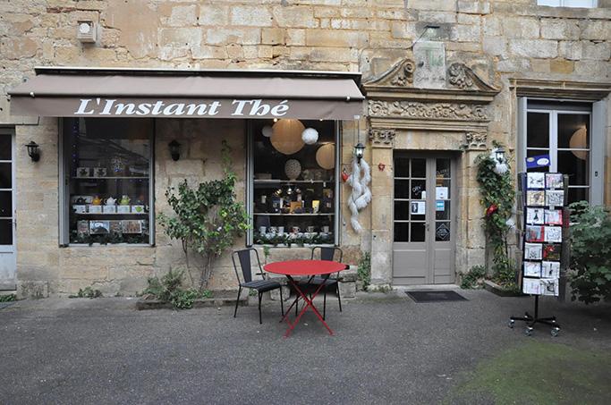 """L'instant thé"" restaurant in Sarlat"