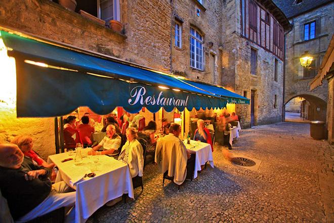 """Les Jardins d'Harmonie"" restaurant in Sarlat"