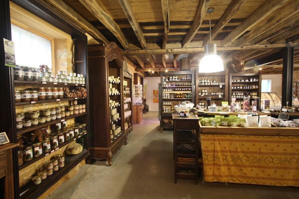 """""""La ferme de Vialard"""" farmers' shop – Carsac"""